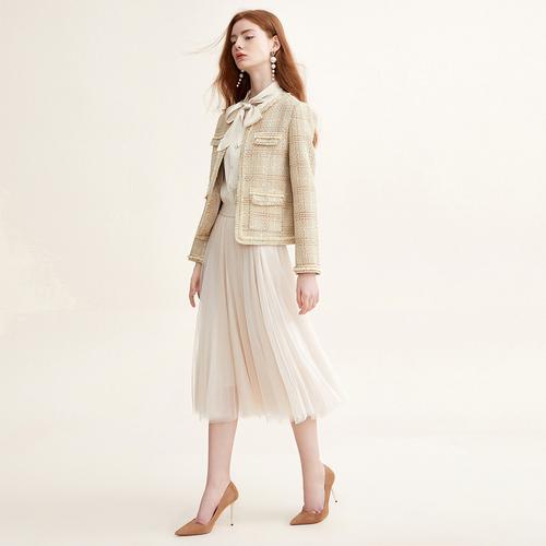 凸显出女性的完美身材 双鸭山戈蔓婷女装加盟店独特品味女装品牌