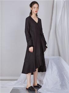 NIIJII设计师个性V领连衣裙