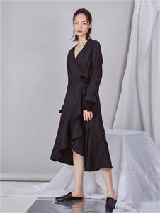 NIIJII设计师唯美小黑裙