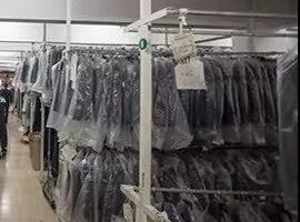 200多億人民幣的衣服賣不出去,一把火燒掉12噸庫存