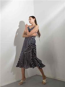 阿莱贝琳2020V领连衣裙
