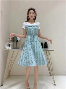 古米娜蓝色连衣裙