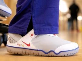 耐克向一线医护人员捐赠32500双鞋 系专门为医疗系统设计