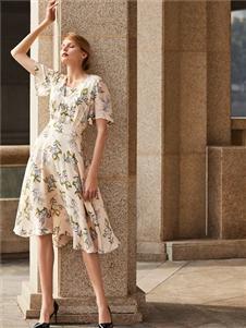 臣枫夏法式优雅裙子