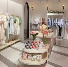37°生活美学女装加盟店备受女性消费者喜爱!