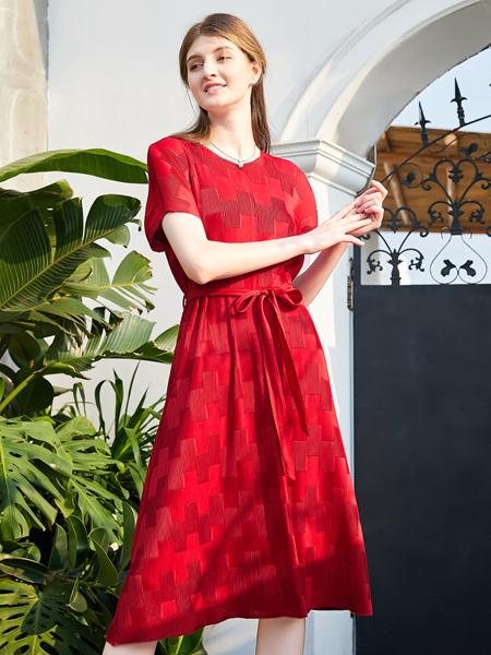 金蝶茜妮红色连衣裙