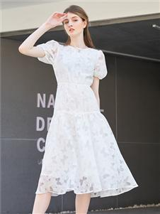 金蝶茜妮新款白色连衣裙