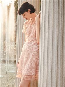 季候風連衣裙2020新款