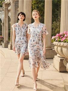 季候风2020夏新款印花裙