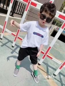 小嗨皮男童夏T恤
