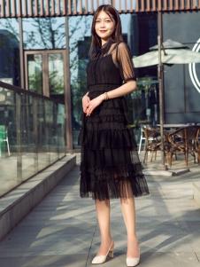 汀丁可新款黑色连衣裙