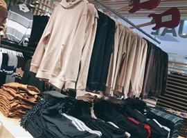 福建石狮以电商直播对接产业链 推动传统服装企业转型升级