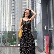 簡約時尚不挑人!尼赫菲 一條連衣裙美麗整個夏天!