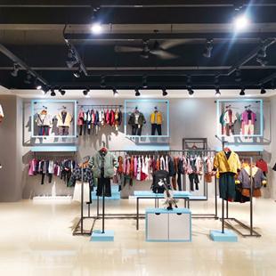 視覺享受,品牌童裝折扣店櫥窗設計經驗分享