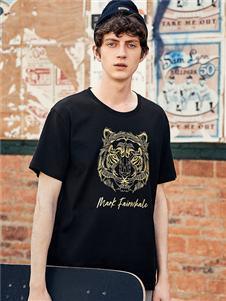 马克华菲黑色时尚T恤