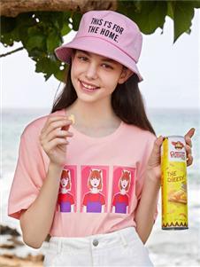 森马粉色T恤