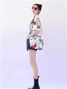 太平鸟女装印花衬衫