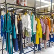 夺宝奇兵女装折扣店加盟 千余款式将顾客需求一网打尽!