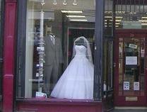 法国婚纱品牌破产拍卖,最后一批库存均价仅40元人民币