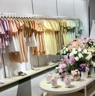 中国服装行业:2020时尚女装加盟推荐37°生活美学!