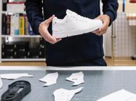 费德勒和瑞士运动品牌On昂跑合作推出高科技运动鞋