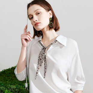 开什么品牌女装店赚钱?加盟沙与沫女装需要多少钱