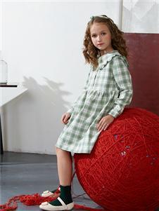 青蛙王子女童格子连衣裙