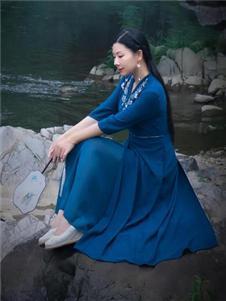 木棉道蓝色连衣裙