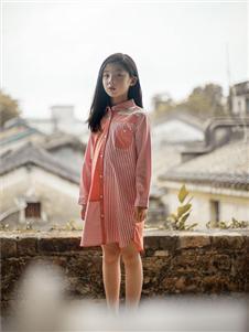 棉绘橘粉色衬衫连衣裙
