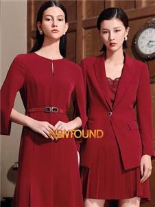 纽方红色修身连衣裙