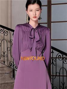 纽方紫色修身连衣裙