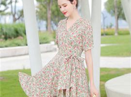 戈蔓婷快时尚女装品牌加盟店打造时尚达人的梦想之地!