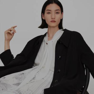 MM麦檬「三十而已」又怎样,黑白穿出高级感