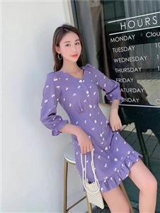 古米娜紫色连衣裙