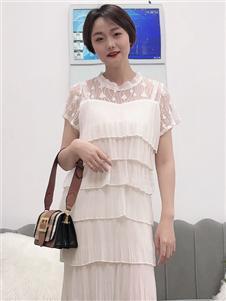 koxieli珂希莉时尚白色蛋糕裙