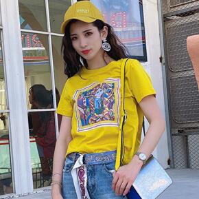 夏天穿T恤怎么搭配好看呢?熙悅女裝T恤又潮又好看!