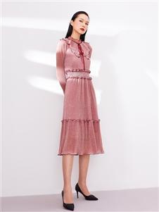 尼赫菲粉色收腰连衣裙
