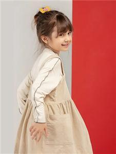 宝贝传奇新款背带裙