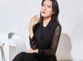 恭喜廣東梅州丘女士通過服裝品牌環球社成功簽約喬帛女裝!