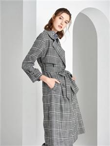 衣莎美诺新款格子大衣