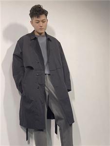 北也灰色外套