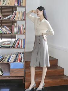 卡蔓女装秋冬款针织衫