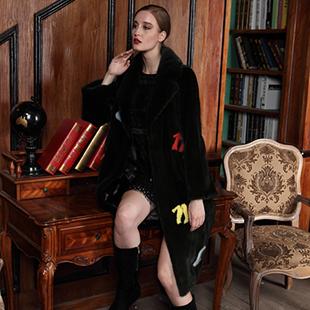 秋冬皮草外套怎么选 卡地亚给你带来时尚精品!