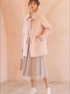 轩日女装新款大衣