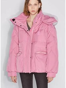 欧时力女装新款粉色羽绒服