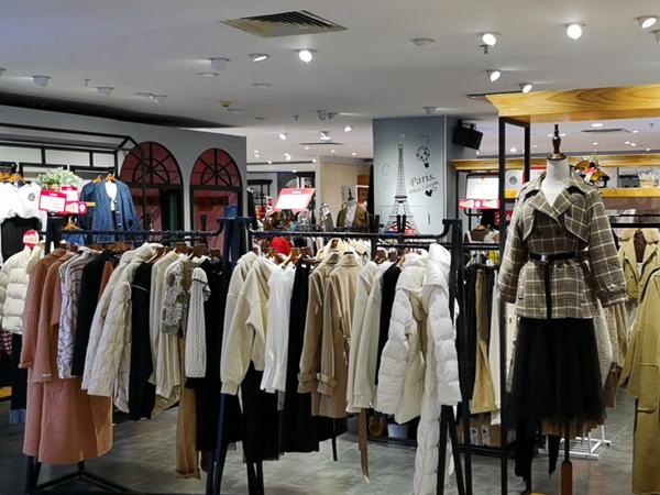 天使韩城女装品牌形象店品牌旗舰店店面