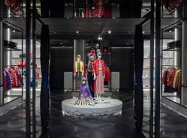 Moncler巴黎一门店被盗 损失约4万欧元产品