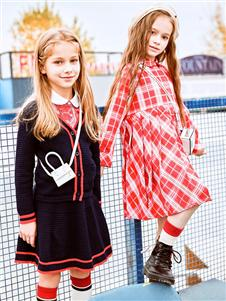 暇步士童装暇步士格子连衣裙