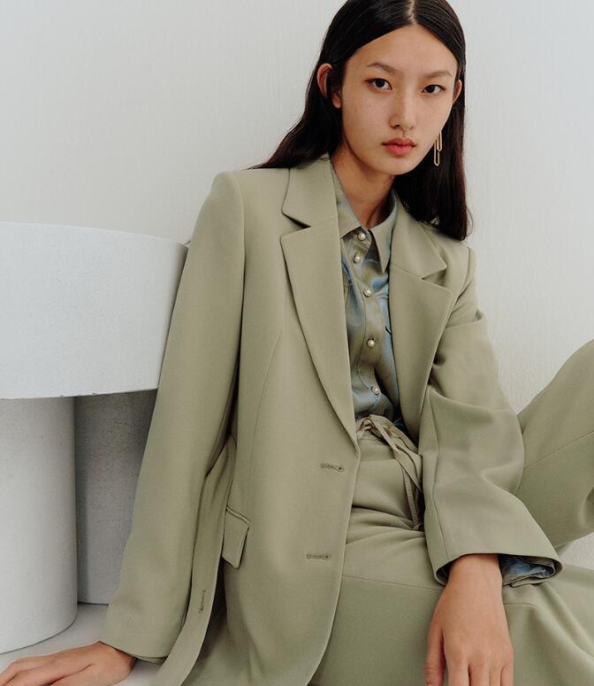 适合一二线城市发展的女装品牌有哪些?曼娅奴女装加盟费多少?