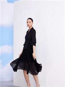 佧茜文2021春款黑色连衣裙